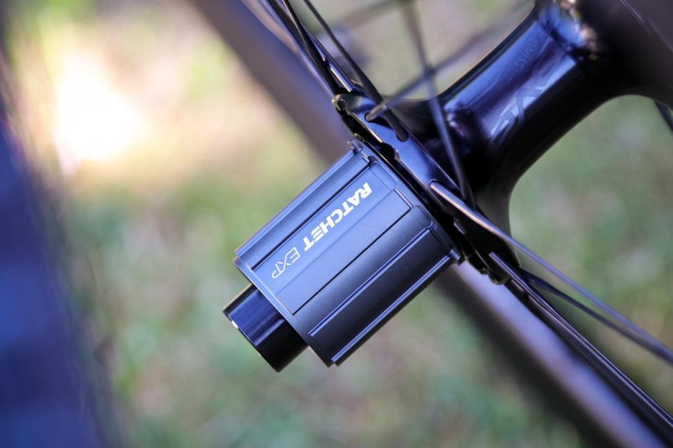 2020-roval-rapide-clx-wheelset-rear-hub
